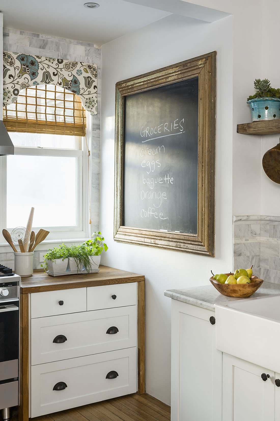 Andrea Rugg Photography | Corner of kitchen showing large chalkboard ...